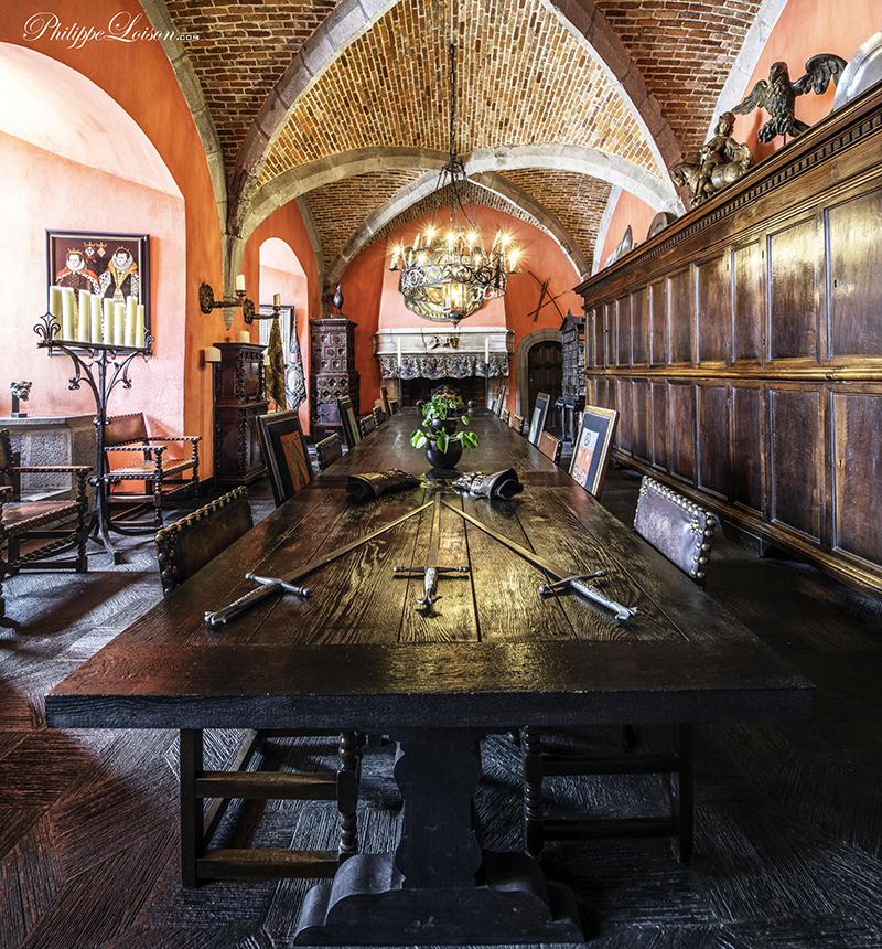 Salle d'armes du Château de Chimay